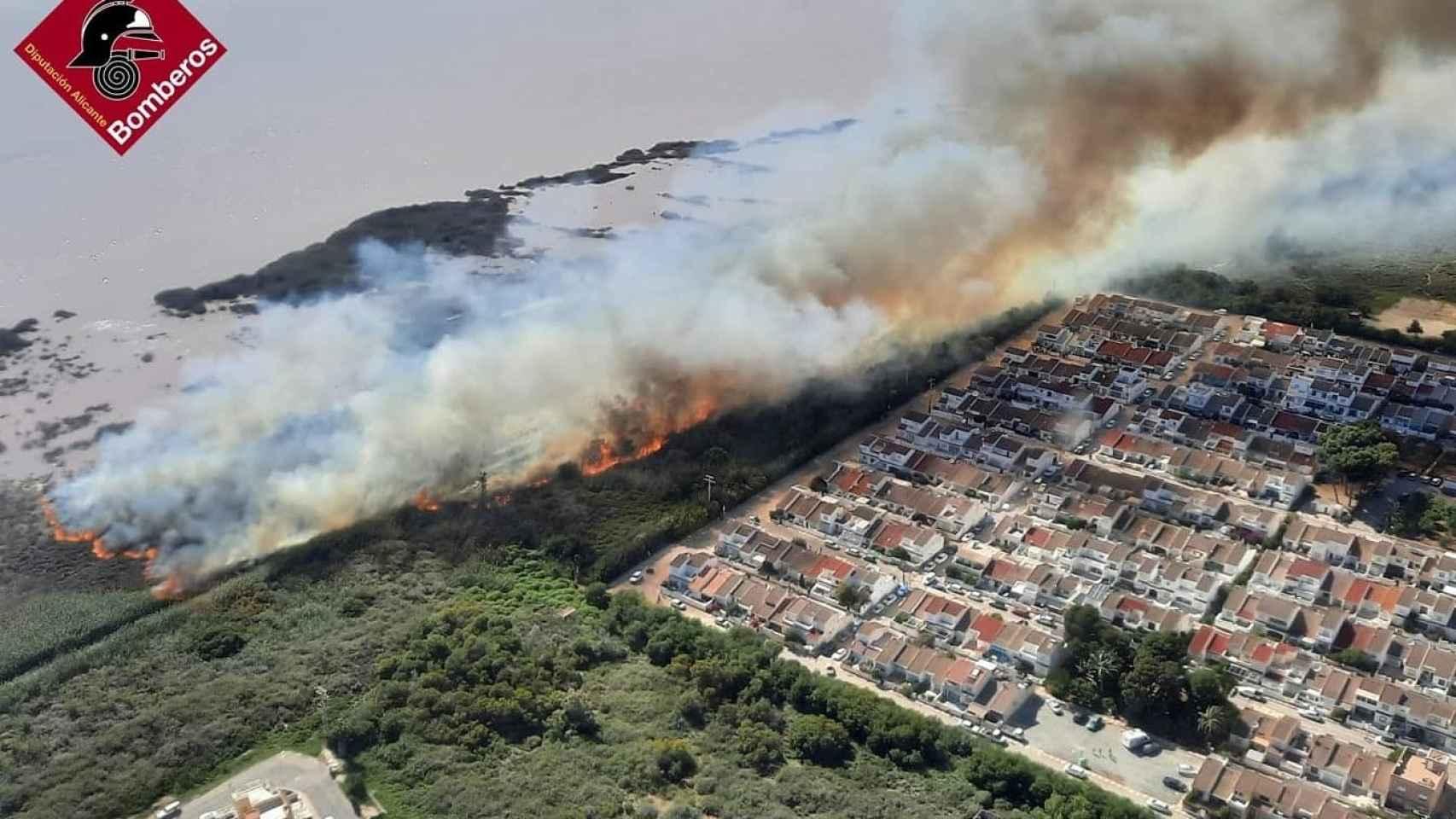 Imagen aérea del incendio realizada por el Consorcio Provincial de Bomberos.