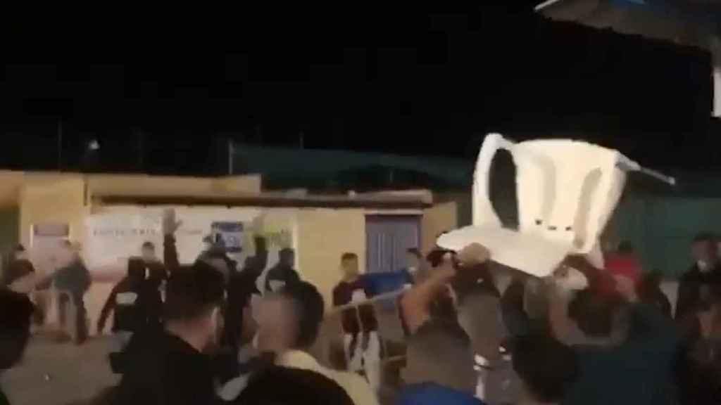 Captura del vídeo de la pelea en el Estadio San Sebastián de Villaverde del Río