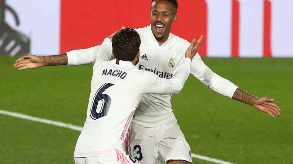 Nacho felicita a Militao por su gol a Osasuna