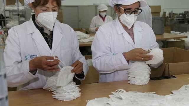 Una empresa de Castilla y León fabrica 45 mascarillas FFP2 y FFP3 por minuto 6