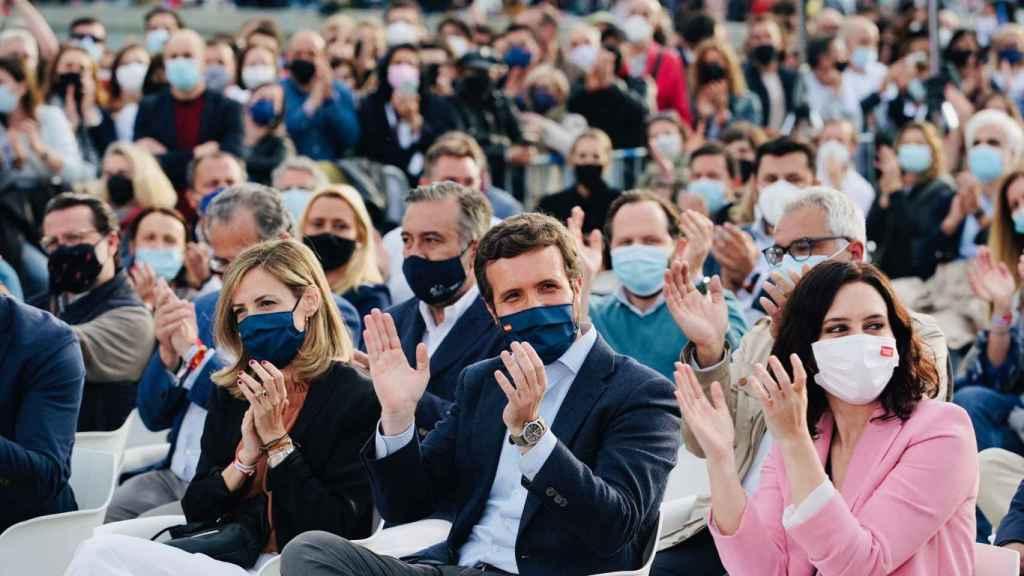 Casado y Ayuso, en el mitin de cierre de campaña del PP en Madrid.