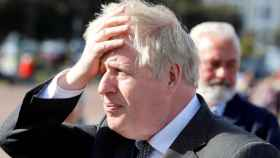 El primer ministro británico, Boris Johnson, durante una visita a Llandudno, en Gales, el pasado abril.