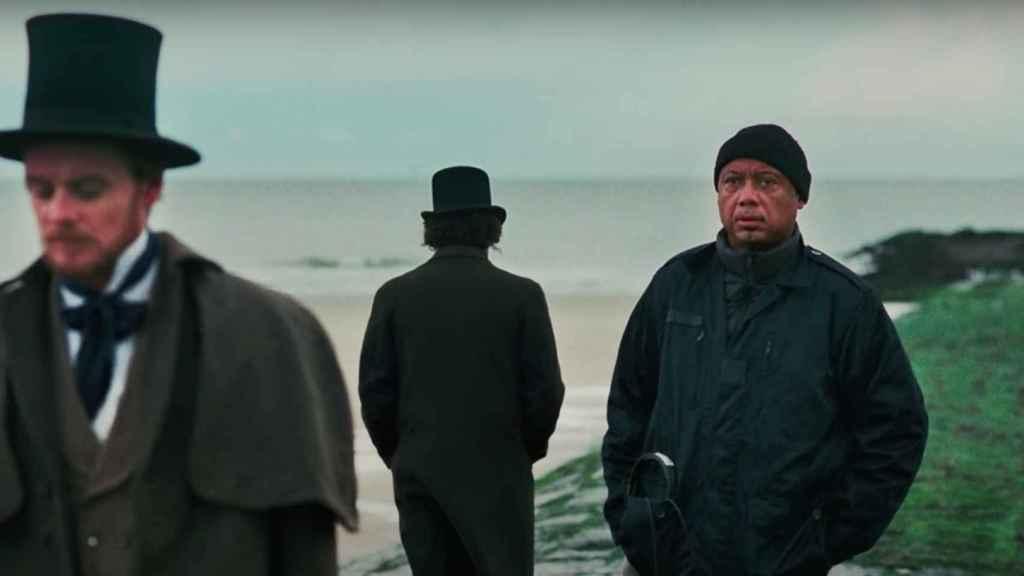 Raoul Peck dirige 'Exterminad a todos los salvajes'.