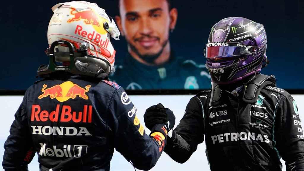 Verstappen y Hamilton se saludan tras el Gran Premio de Portugal