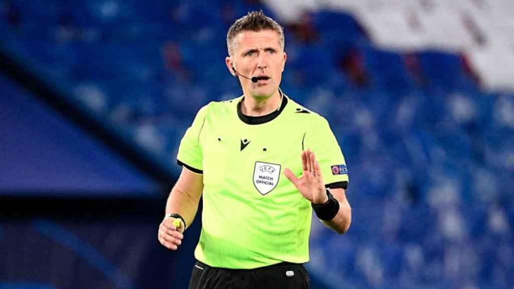 El árbitro italiano Daniele Orsato durante un partido de la Champions League