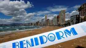 Playa de Benidorm cerrada cuando empezó la pandemia.