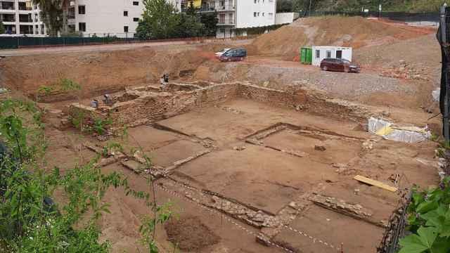 Excavación del yacimiento antes de la construcción del supermercado.