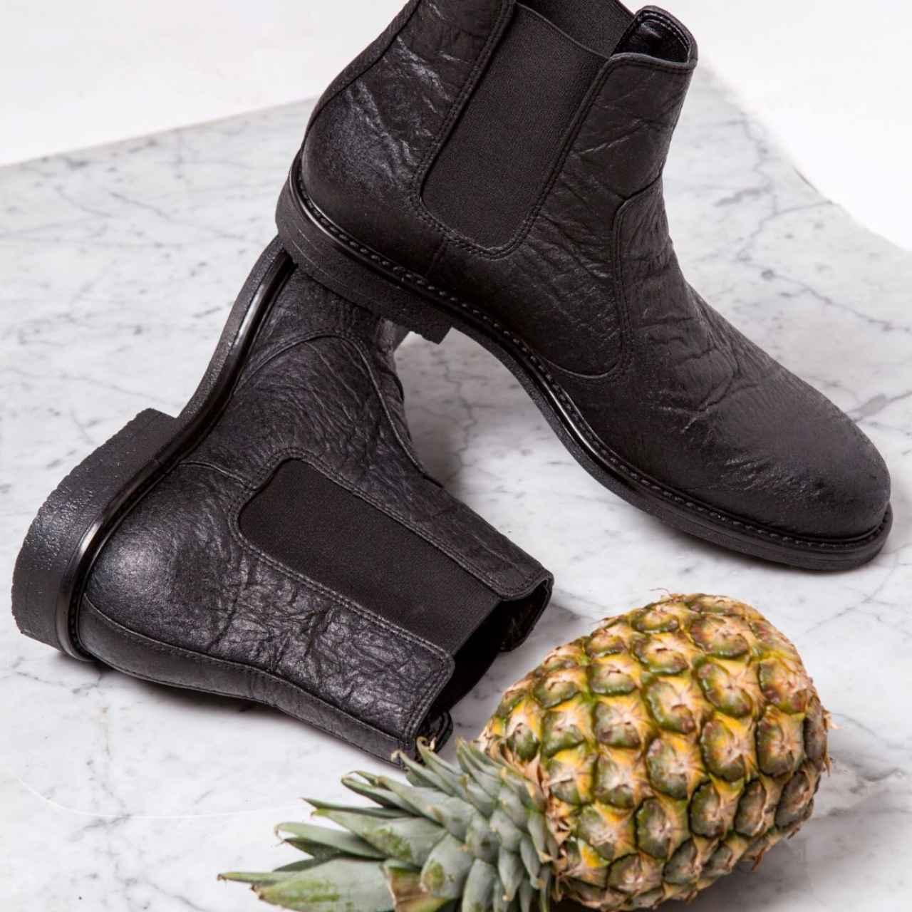 Zapatos hechos con piñatex.