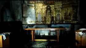 Un importante incendio en la iglesia de este pueblo del Bierzo destroza su retablo mayor 5