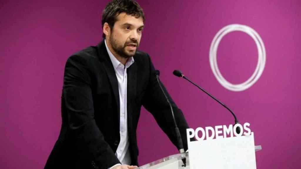 Jesús Santos, en una rueda de prensa en la sede de Podemos en Madrid.