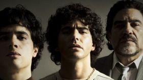 Los tres actores que harán del futbolista en 'Maradona: Sueño bendito'.