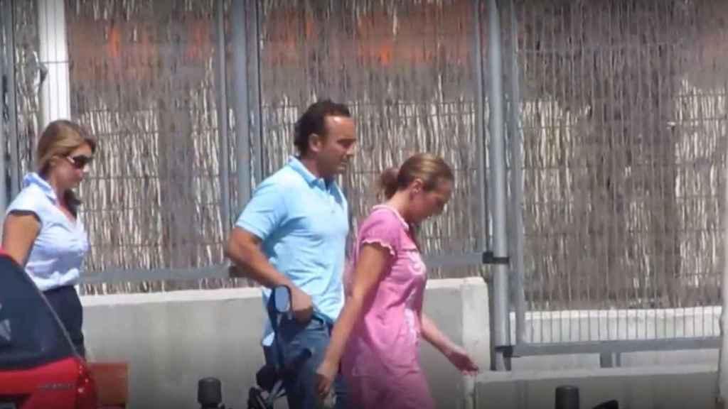 La imagen de Rocío Carrasco llegando al cuartel.