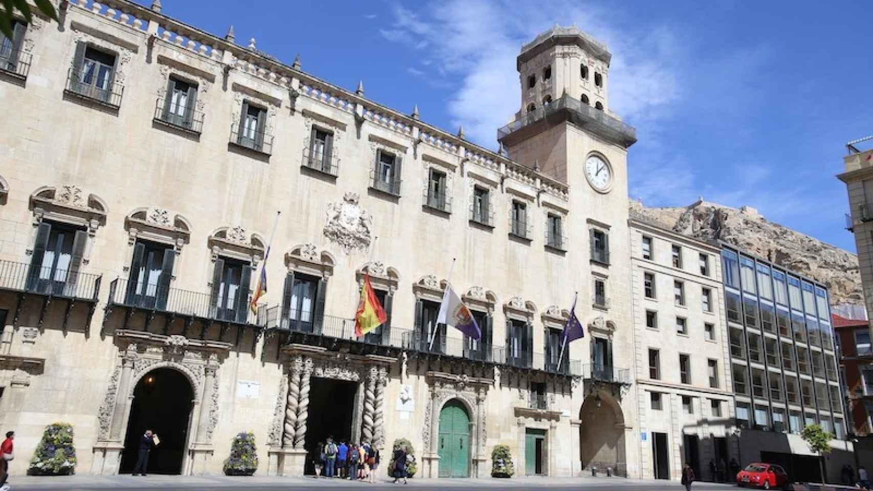 Plaza del Ayuntamiento de Alicante.