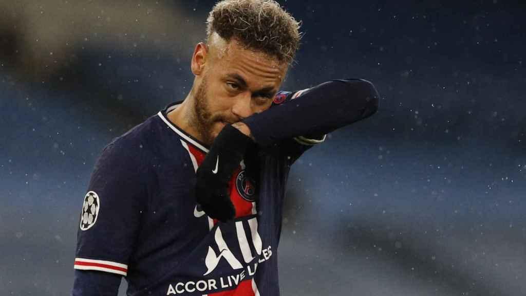 Neymar, cabizbajo con el PSG