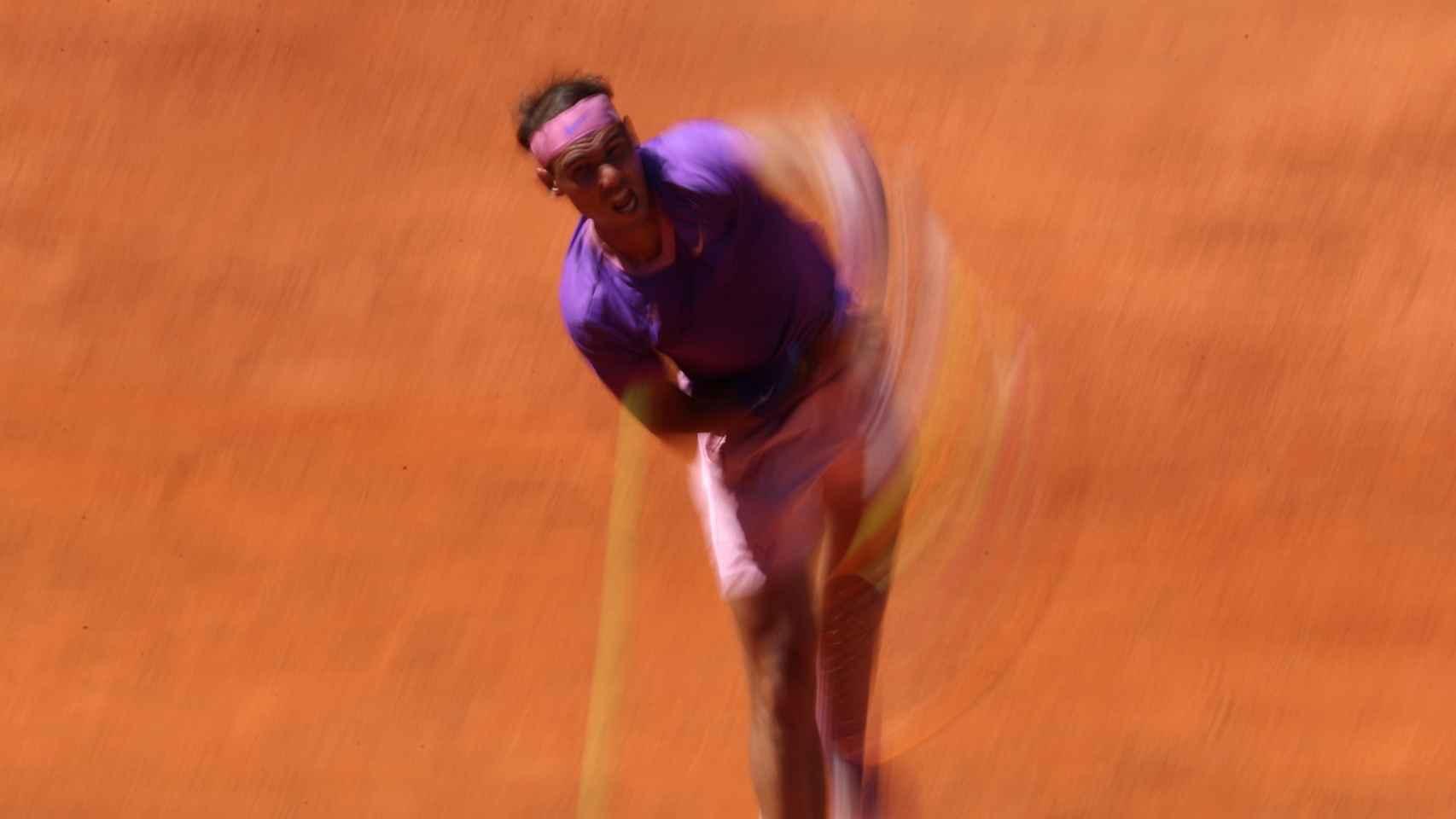 Rafa Nadal, en su partido frente a Carlos Alcaraz en el Mutua Madrid Open 2021