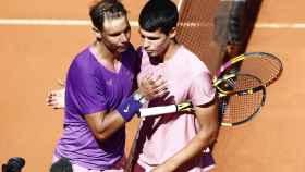 Rafa Nadal y Carlos Alcaraz, tras su duelo en el Mutua Madrid Open