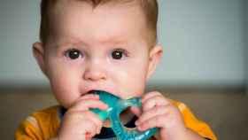 Mordedores refrigerantes para bebés a los que les empiezan a salir los dientes