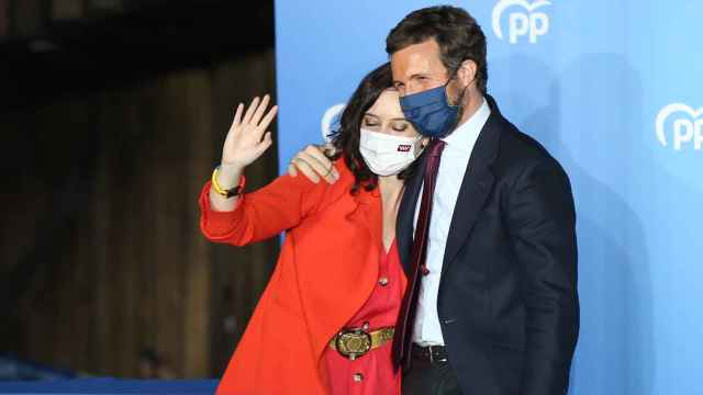 Isabel Díaz Ayuso y Pablo Casado en Génova.