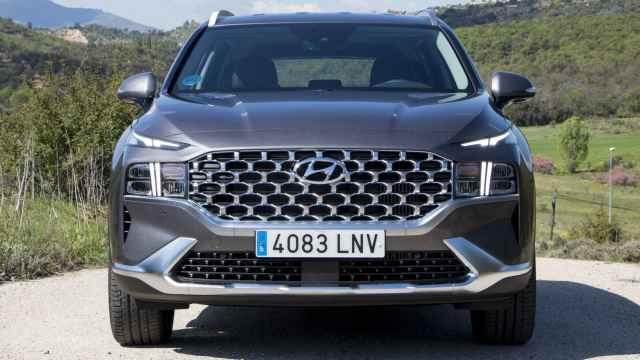 El nuevo Hyundai Santa Fe de 2021 cuenta ahora con un poderoso frontal.