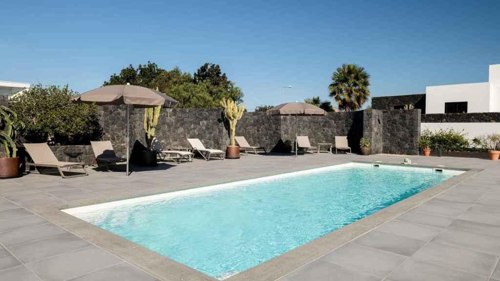Imagen del espectacular exterior que posee la mansión en la que se aloja la mujer de Rudy Fernández.