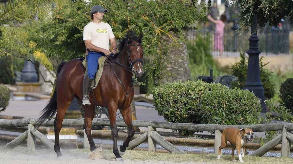 Fran Rivera montando a caballo en una imagen de junio de 2020.