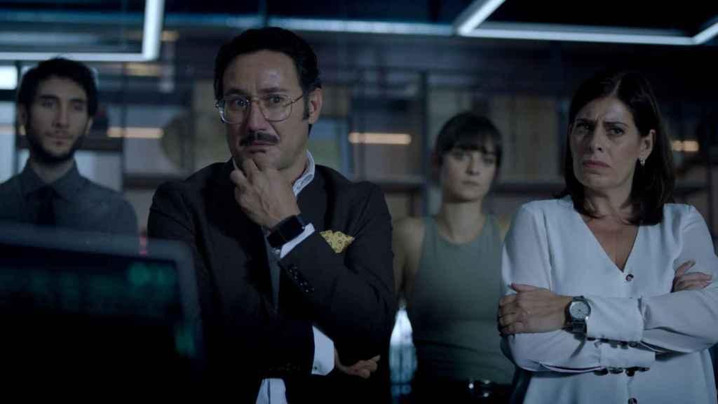 Carlos Santos y Neus Sanz también recuperan sus personajes.