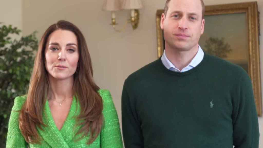 To celebrate Saint Patrick, the Duchess of Cambridge opted for a green 'blazer' from Zara.