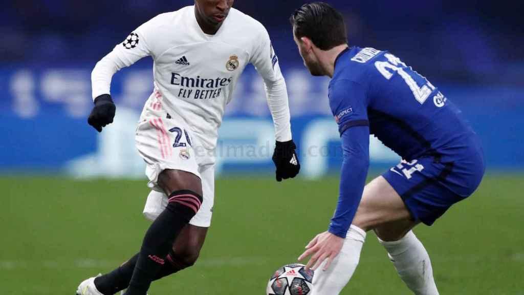 Vinicius Júnior, durante el partido del Real Madrid en Stamford Bridge