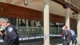 Caída del falso techo de los soportales del Ayuntamiento de Guadalajara