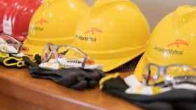 Cascos de trabajadores de ArcelorMittal.