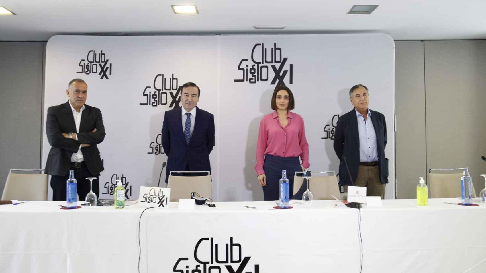 Pedro J. Ramírez en el Club Siglo XXI.: En Madrid pierde el centro, pero gana la centralidad; Podemos y Vox serán irrelevantes