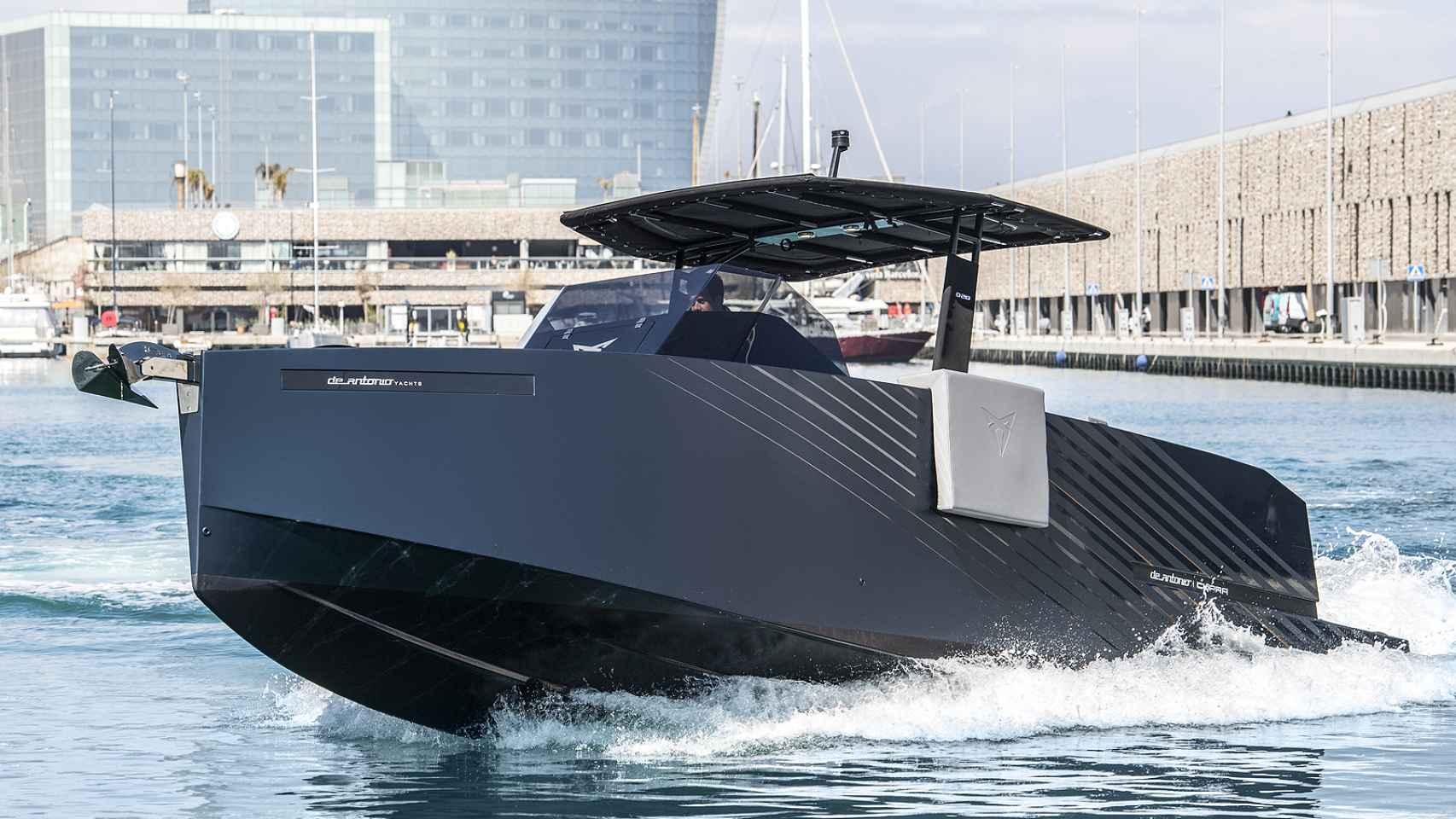 El primer barco de Seat; así es el yate deportivo de Cupra con 400 CV de potencia