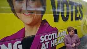 Uno de los autobuses de campaña de Nicola Sturgeon.