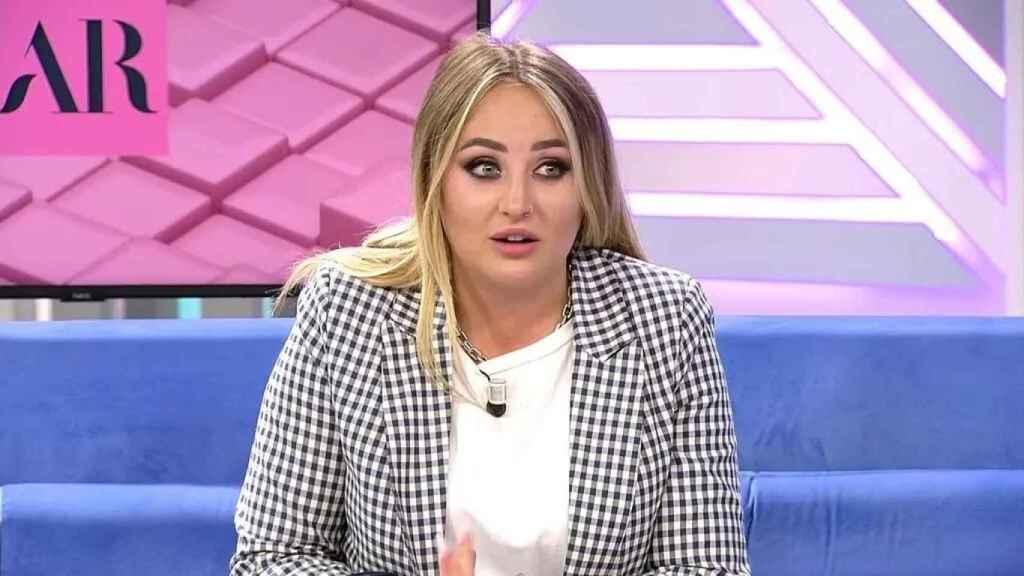 Rocío Flores en su puesto de 'El programa de Ana Rosa'.
