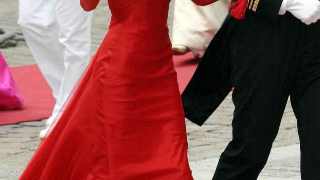 El vestido rojo de Letizia, diseñado por Lorenzo Caprile.