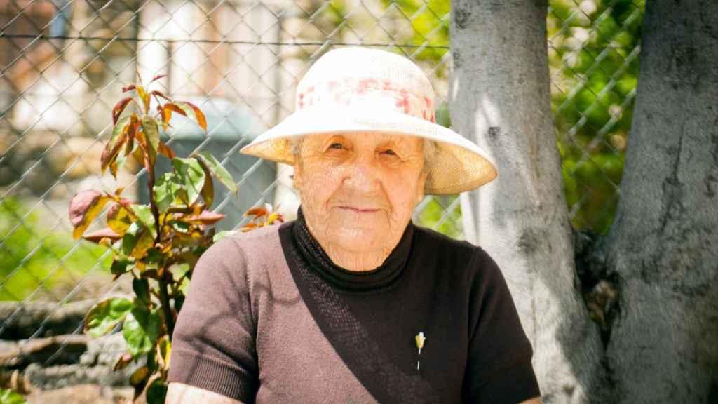 Alejandra, de 87 años, vecina nacida y criada en Navarredonda.