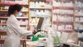 Una farmacéutica, en imagen de archivo.