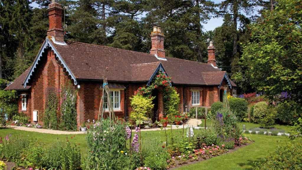 Sandringham Estate cuenta con dos casas que se pueden alquilar por un período de 12 meses.