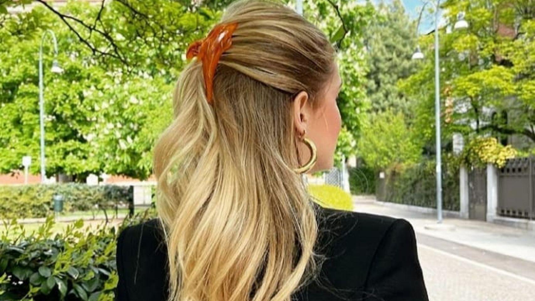 La pinza clásica del pelo se convierte en el accesorio más demandado.