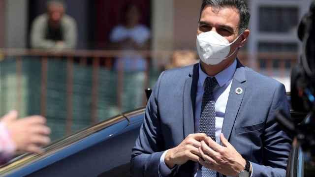 Pedro Sánchez, presidente del Gobierno, a su llegada a la cumbre de la UE en Oporto.