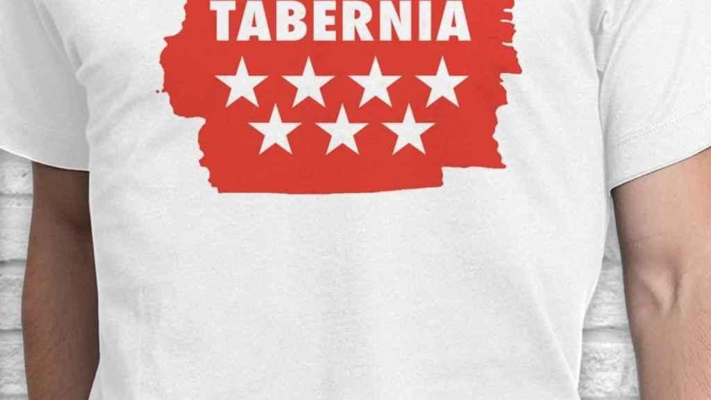Detalle de la camiseta que ya está a la venta.