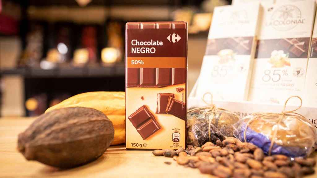 La tableta de chocolate negro de Carrefour.