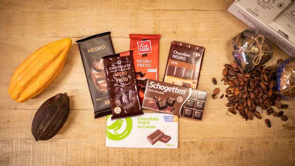 Las seis tabletas de chocolate negro de los supermercados analizadas en la cata.