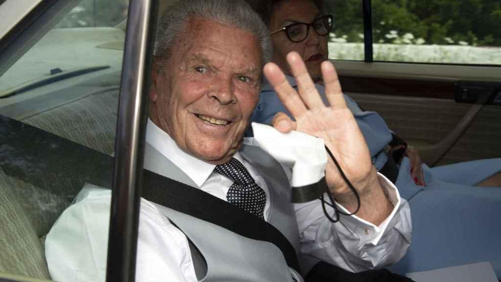 Antonio Ruiz Rodríguez, abuelo de la novia, a su llegada a la iglesia.