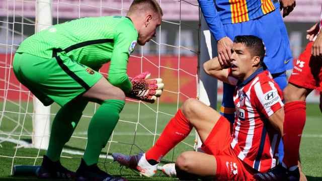 Las mejores imágenes del Barça - Atlético: el pique de Ter Stegen con Luis Suárez por simular un penalti
