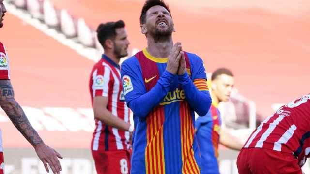 Messi se lamenta de una jugada en el Barça - Atlético