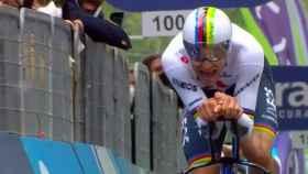 Filippo Ganna en la crono inaugural del Giro 2021