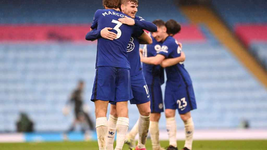 Los jugadores del Chelsea celebran su victoria frente al Manchester City