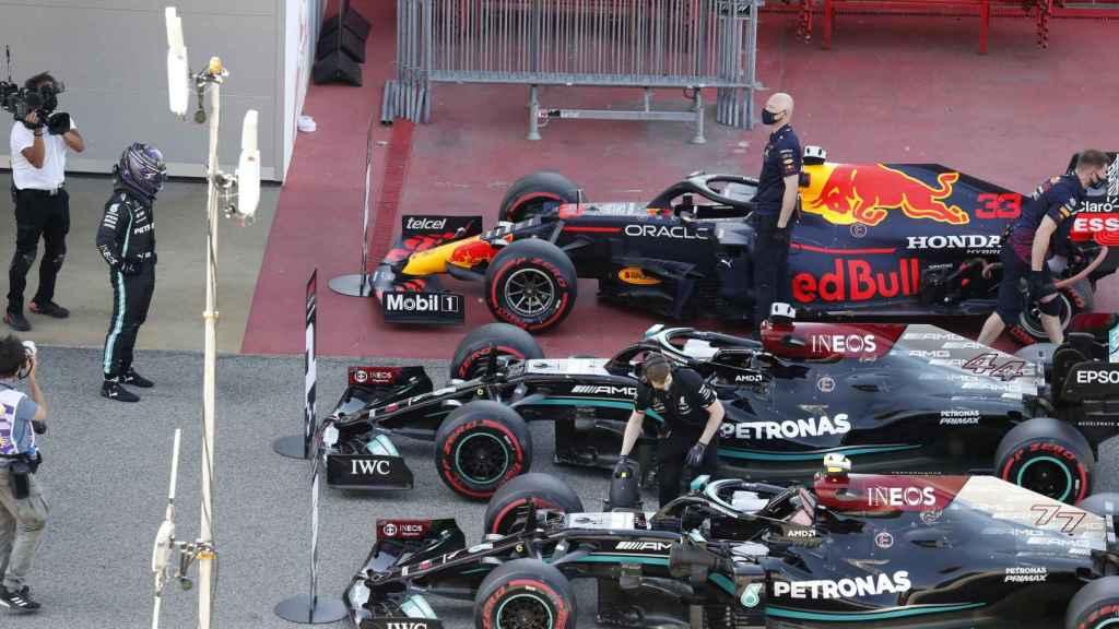Los monoplazas de Hamilton, Verstappen y Bottas en Montmeló