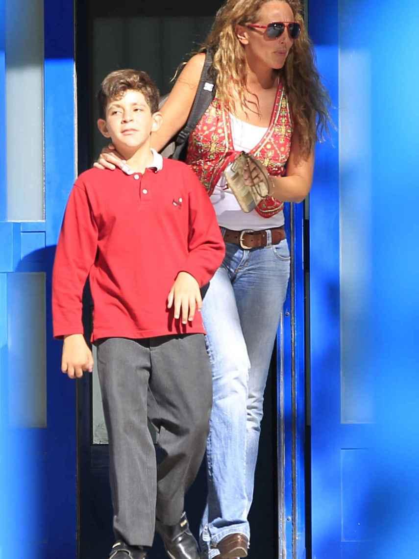 Rocío Carrasco siempre estuvo muy pendiente de su hijo, y él sentía adoración por ella.